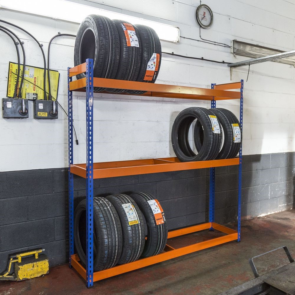letné pneumatiky nedostatok